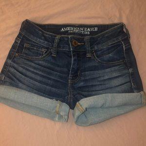 00 mid rise American eagle shorts